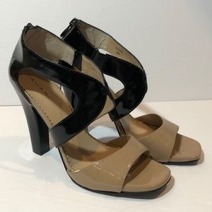 Tahari Patent Leather Dayna Heels Black Tan Size 8